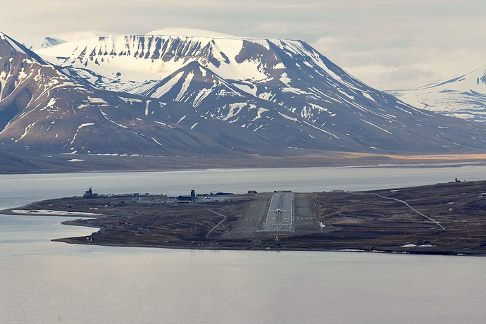 Svalbard_Airport,_Longyear_overview