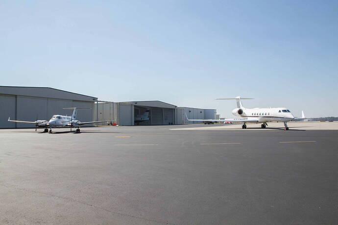 Modern-Aviation-FBO-Wilmington-hangar
