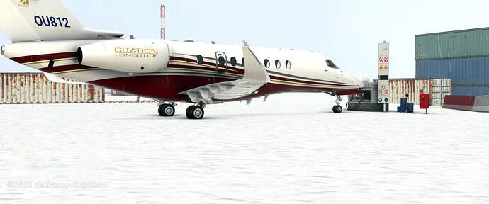 longitude-in-antarctica-refueling-in-snow