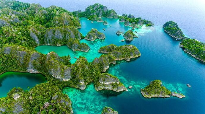 Raja-Ampat-Indonesia.-Credit-Ministry-of-Tourism-Republic-of-Indonesia-by-KIAT