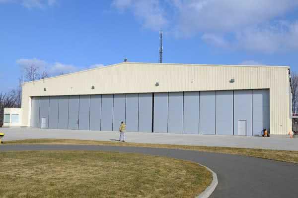 wr-hangar-5-600x400
