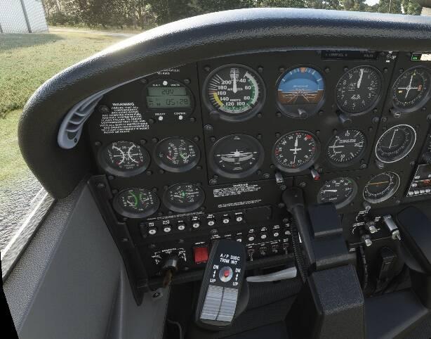 C172 Taildragger cockpit